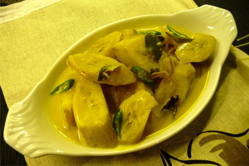 ash plantain curry
